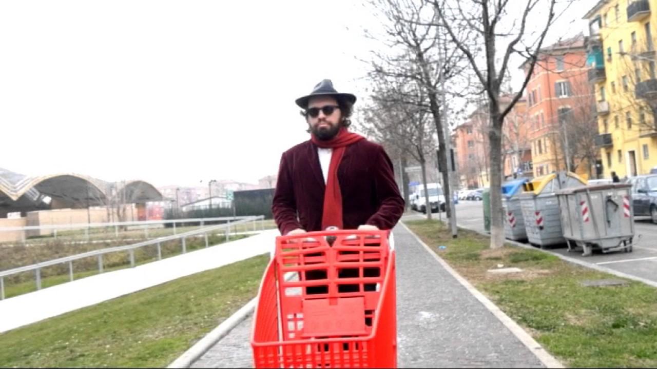 Don't cry alla Crai è il primo singolo estratto da QuantoBasta Vol. 3, il terzo disco del cantautore bolognese Gian Marco Basta